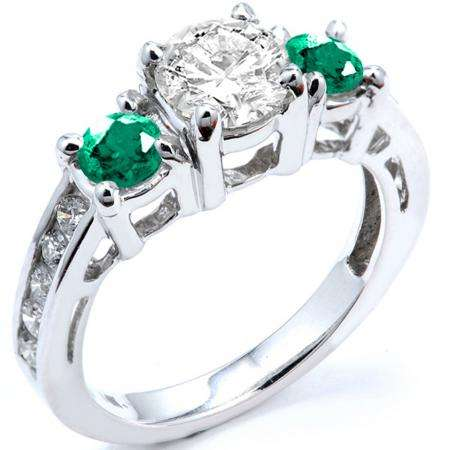 2.55 Carat (ctw) 18k White Gold Round Green Emerald And White Diamond Ladies Bridal Engagement Ring 2 1/2 CT