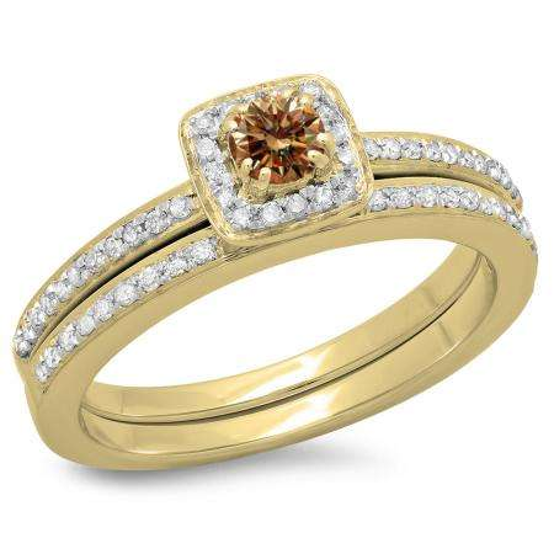 0.50 Carat (ctw) 18K Yellow Gold Round Cut Champagne & White Diamond Ladies Bridal Halo Engagement Ring With Matching Band Set 1/2 CT