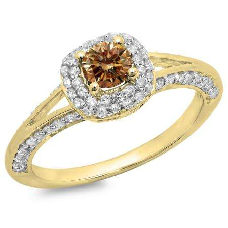 0.90 Carat (ctw) 18K Yellow Gold Round Cut Champagne & White Diamond Ladies Bridal Split Shank Halo Style Engagement Ring