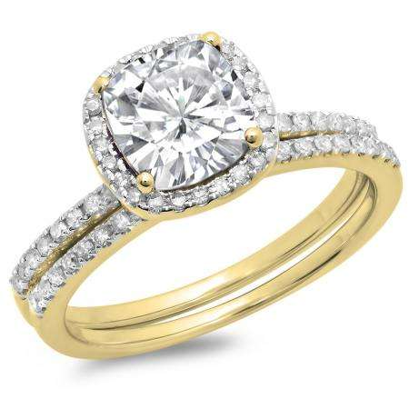1.75 Carat (ctw) 18K Yellow Gold Cushion Cut Created White Sapphire & Round Cut White Diamond Ladies Bridal Halo Engagement Ring With Matching Band Set 1 3/4 CT