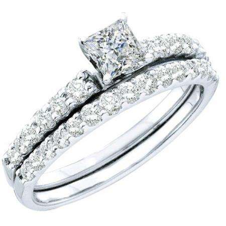 1.00 Carat (ctw) 14k White Gold Round & Princess Cut White Diamond Ladies Bridal Solitaire With Accents Engagement Ring Set 1 CT