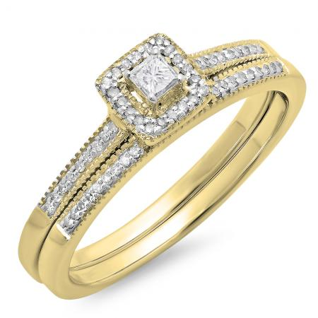 0.25 Carat (ctw) 18K Yellow Gold Princess & Round Diamond Ladies Millgrain Bridal Halo Engagement Ring With Matching Band Set 1/4 CT