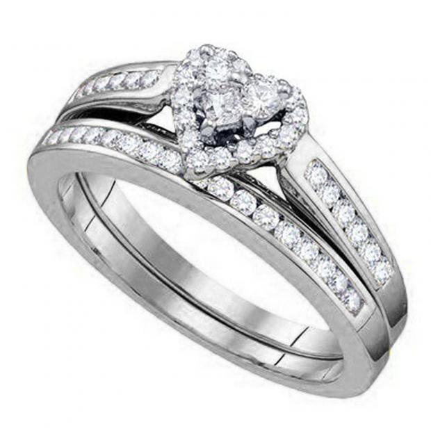 0.48 Carat (ctw) 18K White Gold Round Cut White Diamond Ladies Heart Shaped Bridal Engagement Ring With Matching Band Set 1/2 CT