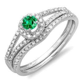 0.45 Carat (ctw) 18k White Gold Round Green Emerald And White Diamond Ladies Bridal Halo Style Engagement Ring With Wedding Band Set 1/2 CT
