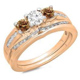 1.10 Carat (ctw) 18K Rose Gold Round Champagne & White Diamond Ladies Bridal 3 Stone Engagement Ring With Matching Band Set 1 CT