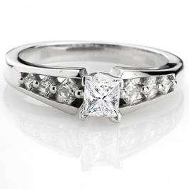 0.95 Carat (ctw) 14k White Gold Princess Diamond Ladies Bridal Solitaire With Accents Engagement Ring 1 CT