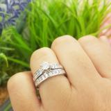 0.95 Carat (ctw) 10K White Gold Round Cut Diamond Ladies Bridal Engagement Ring Set With Matching Band 1 CT